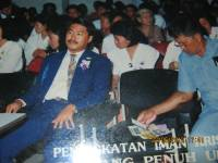 KKR semarang penuh urapan nampak pdt Rolly Rorong.1994