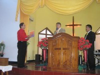 Pengarahan tentang bahaya narkotika oleh Bp John Hengzs.S.H kpd majelis gereja di saksikan leh Pdt Rolly Rorong.