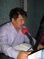 pdt.rolly rorong.dalam pelayanan di studio radio