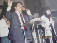 pdt Rolly Rorong KKR di gedung pertemuan umum Palangkaraya KALTENG.1995