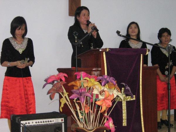 pdm Debby Rorong Wungkana.KKR di Blitar Jawa timur indonesia