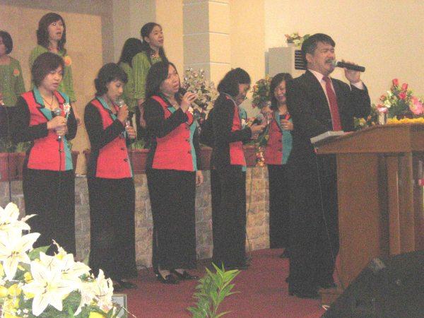 pelayanan di GBT kota Madiun beberapa tahun lalu....gembala Pdt Yohanes....